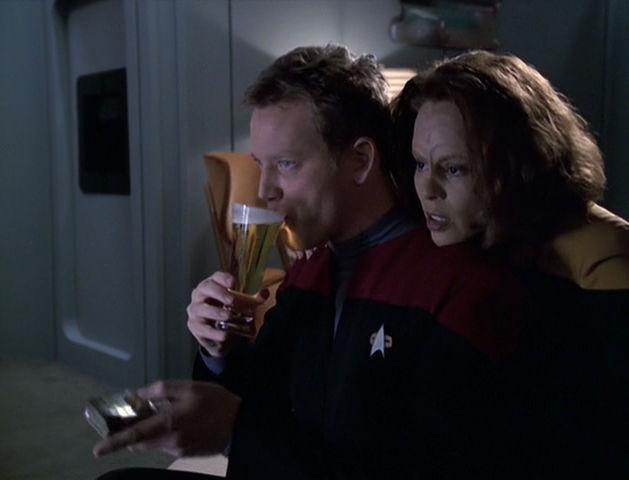 Tom and B'Elanna binging some TOS