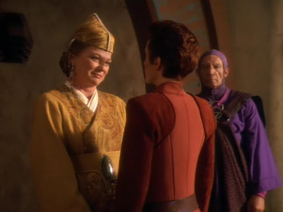 Kai Winn and Kira Nerys meet, the deep seated mistrust for each other clearly visible
